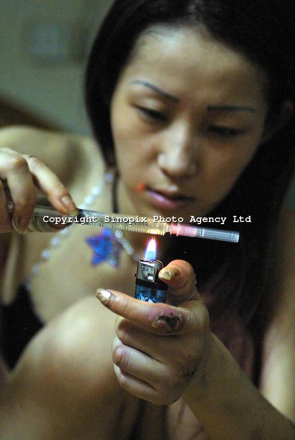 【※閲覧注意※】この美人さん(21)のヘロイン中毒後の写真、、、怖すぎだろこれ。。。(画像あり)・3枚目