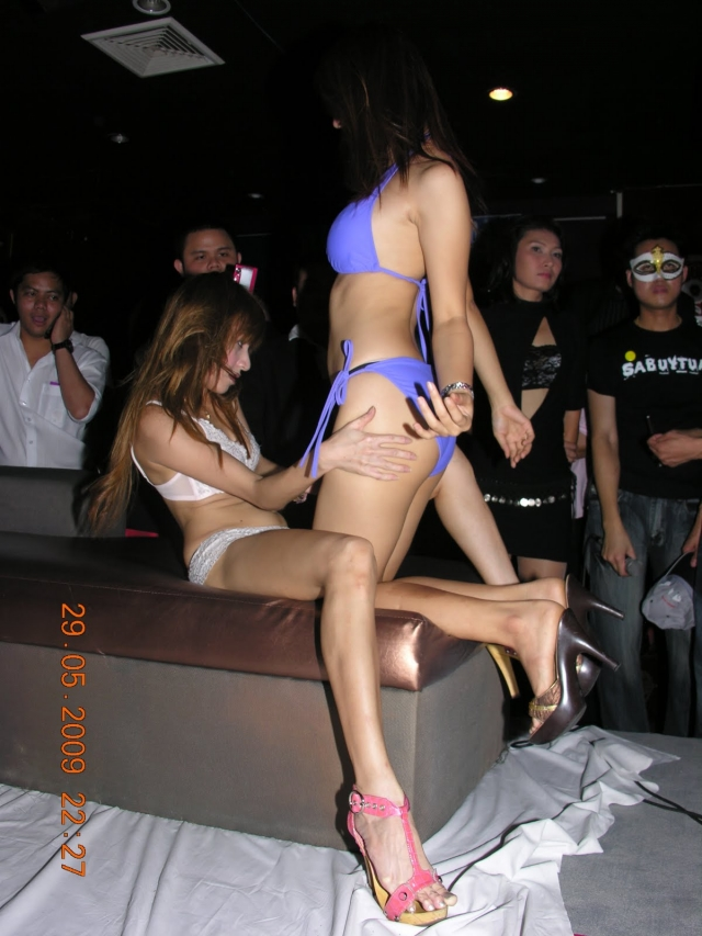 【※違法注意】タイの「マッサージパーラー」とかいうゴリゴリ風俗の店内をご覧くださいwwwwwwwwwwwwwwwww(画像あり)・21枚目