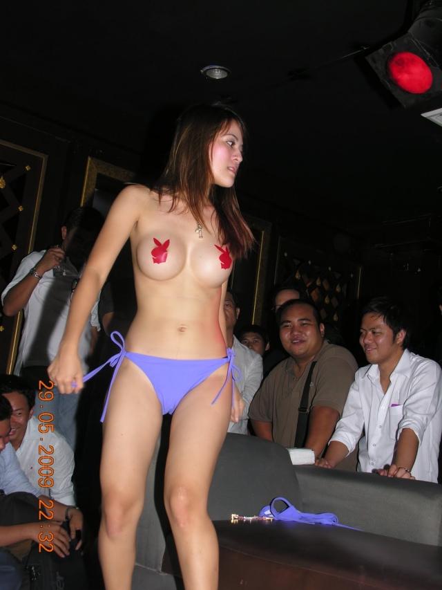 【※違法注意】タイの「マッサージパーラー」とかいうゴリゴリ風俗の店内をご覧くださいwwwwwwwwwwwwwwwww(画像あり)・6枚目