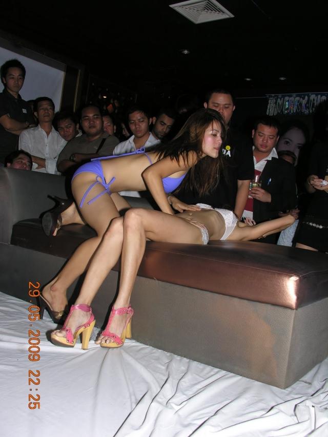 【※違法注意】タイの「マッサージパーラー」とかいうゴリゴリ風俗の店内をご覧くださいwwwwwwwwwwwwwwwww(画像あり)・7枚目