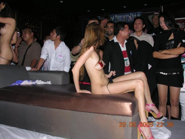 【※違法注意】タイの「マッサージパーラー」とかいうゴリゴリ風俗の店内をご覧くださいwwwwwwwwwwwwwwwww(画像あり)・8枚目