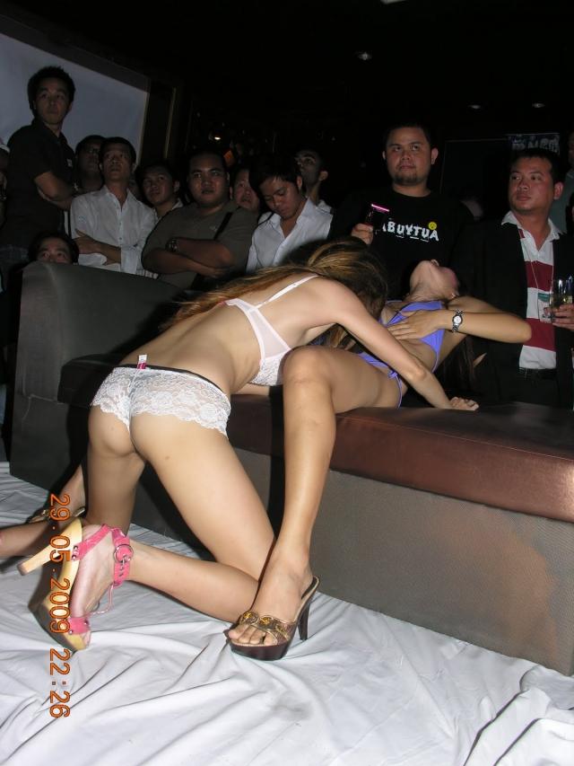 【※違法注意】タイの「マッサージパーラー」とかいうゴリゴリ風俗の店内をご覧くださいwwwwwwwwwwwwwwwww(画像あり)・9枚目