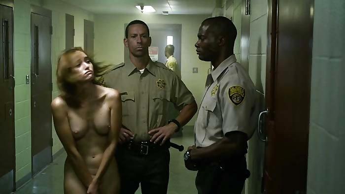 【※悲劇】海外の女性刑務所、秩序もクソもない・・・ヒドすぎやけどエロいwwwwwwwwwwwwww・11枚目