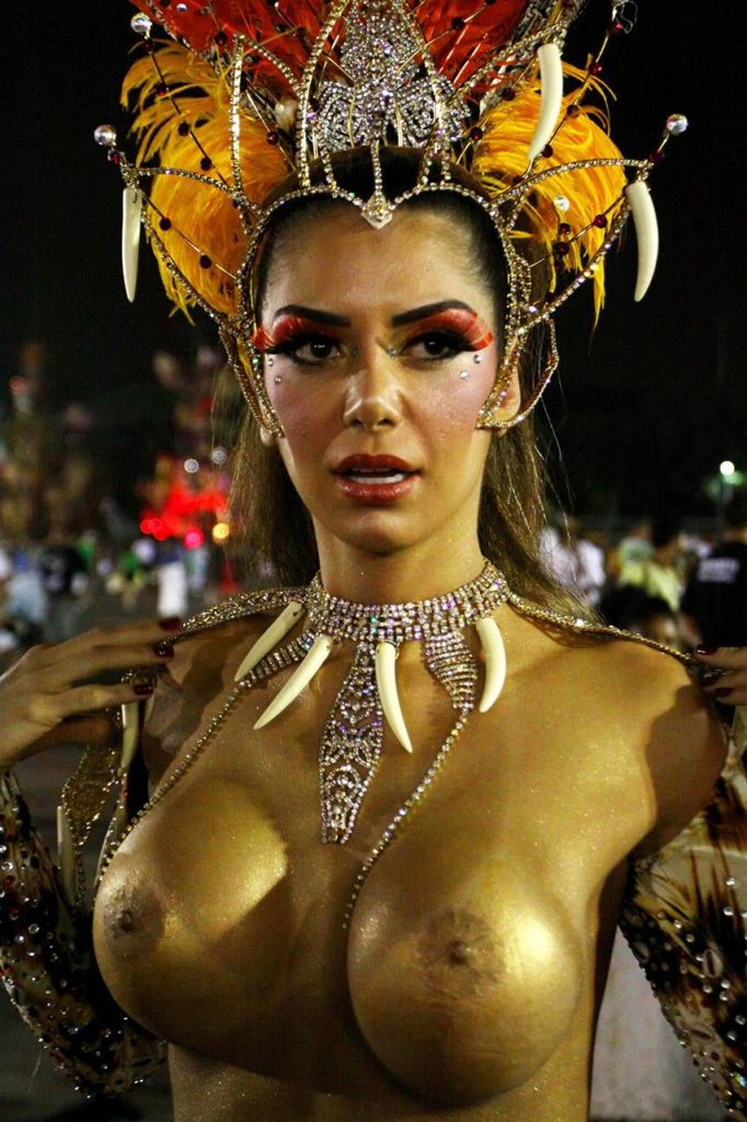 【画像あり】サンバカーニバルとかいう露出狂の集まり、逮捕レベルだろコレwwwwwwww・11枚目