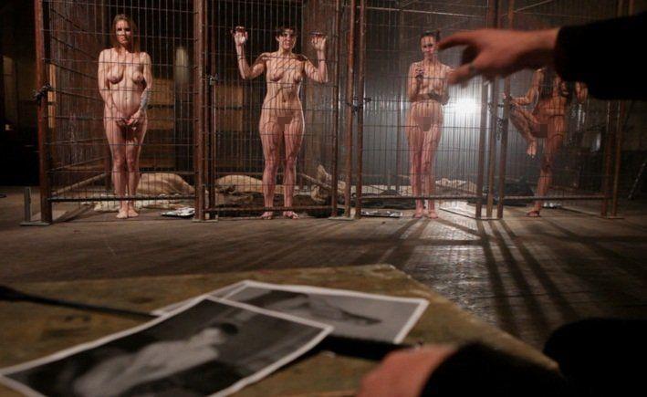 【※閲覧注意】性奴隷として売買された女性の末路・・・家畜以下とは。。(画像あり)・18枚目