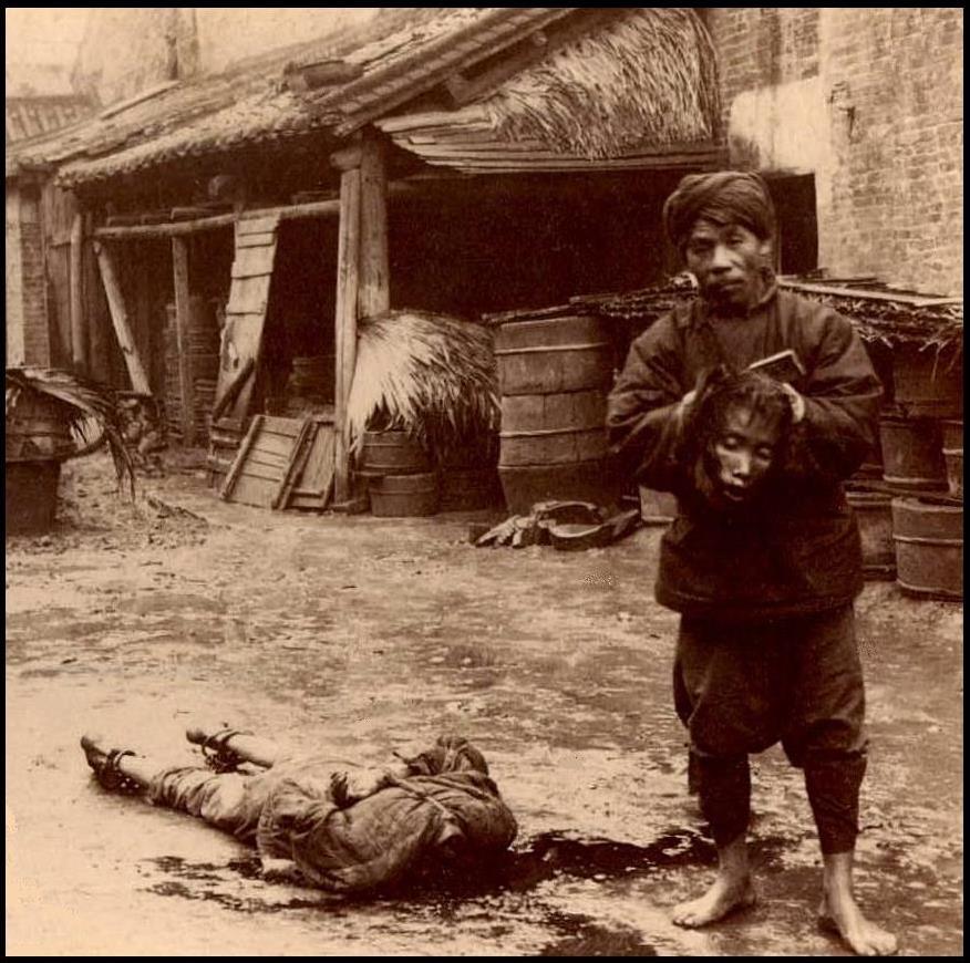 【※閲覧注意※】残酷極まりない昔の処刑風景。酷すぎ・・・(画像あり)・19枚目