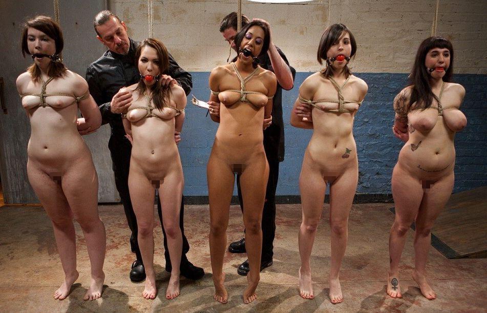 【※閲覧注意】性奴隷として売買された女性の末路・・・家畜以下とは。。(画像あり)・24枚目