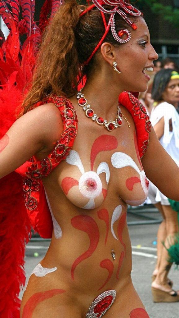 【※朗報】近年のサンバカーニバル、おっぱい丸出しスタイルらしいwwwwwwwwwwwwwwwww(画像あり)・21枚目