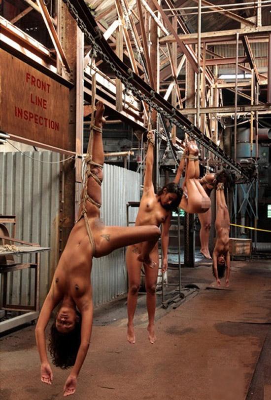 【※閲覧注意】性奴隷として売買された女性の末路・・・家畜以下とは。。(画像あり)・9枚目