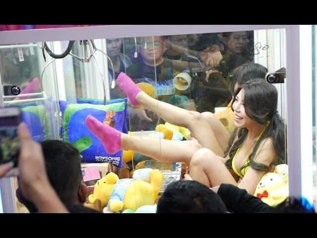 【※禁じ手】台湾のゲームセンターが集客の為にとんでもない方法を思い付く。。実行するのが流石ですwwwwwwwwwww(画像あり)・12枚目