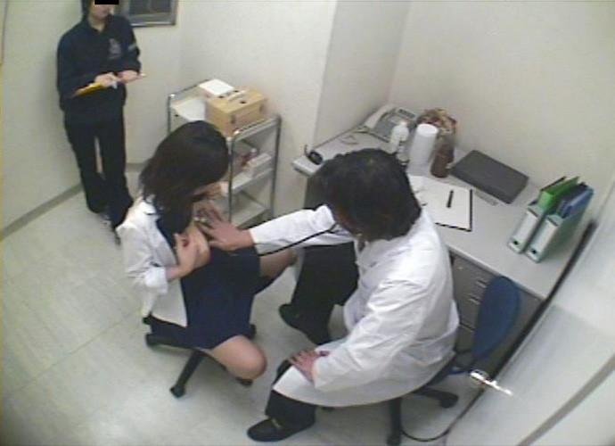 【※悪質※】学校の身体測定を担当する医師の画像フォルダが思った以上に児ポ注意やった・・・(画像あり)・16枚目