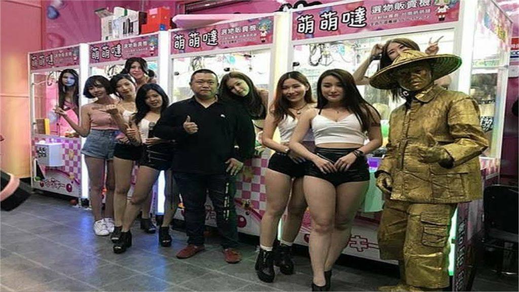 【※禁じ手】台湾のゲームセンターが集客の為にとんでもない方法を思い付く。。実行するのが流石ですwwwwwwwwwww(画像あり)・21枚目
