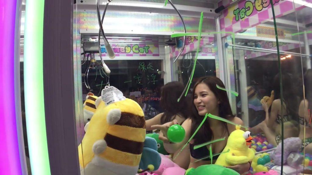 【※禁じ手】台湾のゲームセンターが集客の為にとんでもない方法を思い付く。。実行するのが流石ですwwwwwwwwwww(画像あり)・8枚目