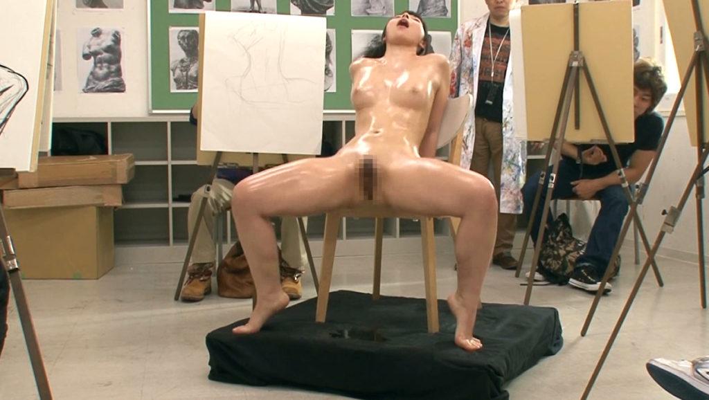 【※エロ画像】「これは芸術ですっ!」ヌードデッサンでSEXさせる異例な光景wwwwwwwwwwwww・13枚目
