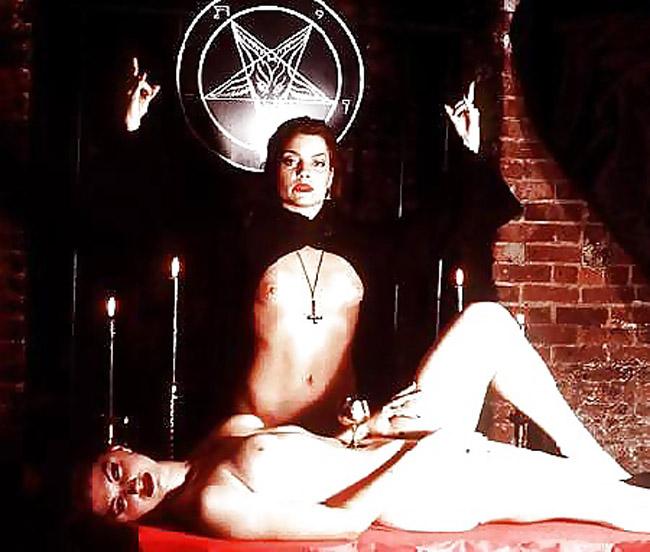 【※閲覧注意】闇深カルト教団の儀式が公開され世界に戦慄が走る・・・。(画像あり)・14枚目