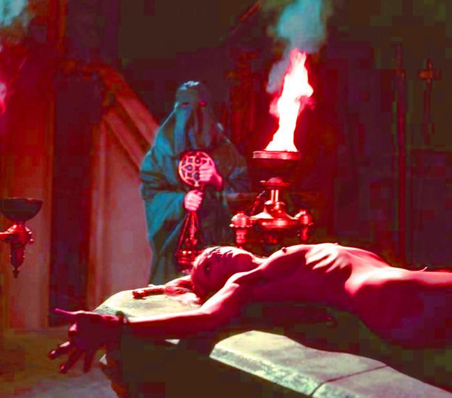【※閲覧注意】闇深カルト教団の儀式が公開され世界に戦慄が走る・・・。(画像あり)・16枚目