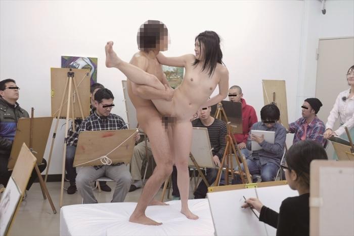 【※エロ画像】「これは芸術ですっ!」ヌードデッサンでSEXさせる異例な光景wwwwwwwwwwwww・20枚目