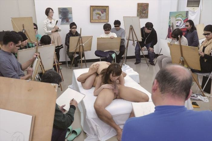 【※エロ画像】「これは芸術ですっ!」ヌードデッサンでSEXさせる異例な光景wwwwwwwwwwwww・23枚目