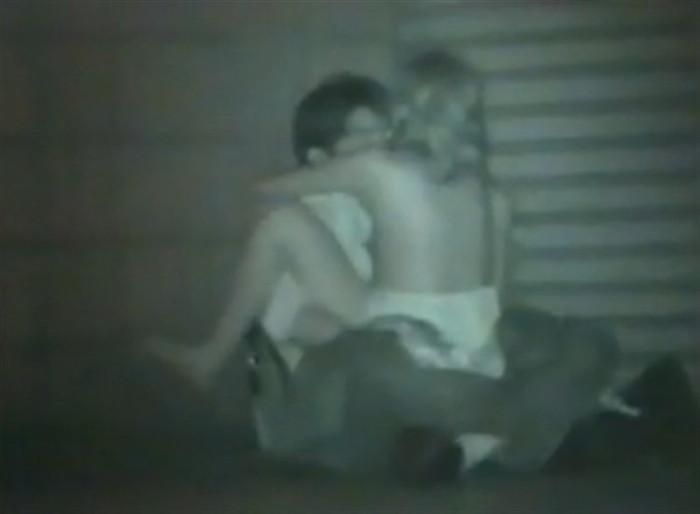 【※盗撮注意】深夜の公園を赤外線モードで撮影した結果wwwwwwwwww(画像あり)・20枚目