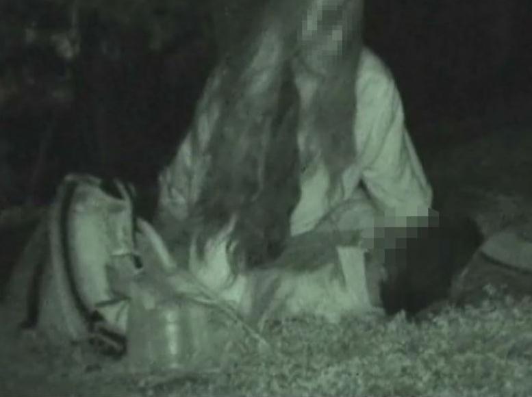 【※盗撮注意】深夜の公園を赤外線モードで撮影した結果wwwwwwwwww(画像あり)・21枚目