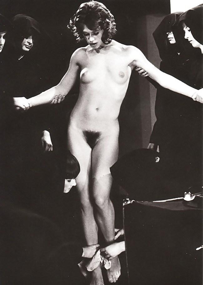 【※閲覧注意】闇深カルト教団の儀式が公開され世界に戦慄が走る・・・。(画像あり)・27枚目