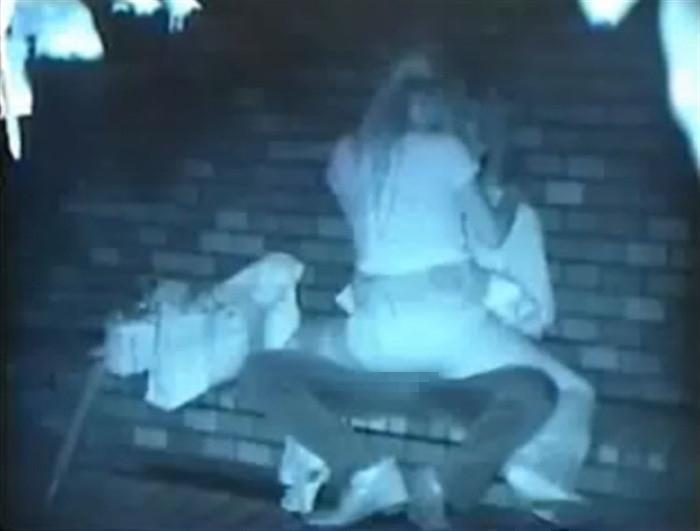 【※盗撮注意】深夜の公園を赤外線モードで撮影した結果wwwwwwwwww(画像あり)・5枚目