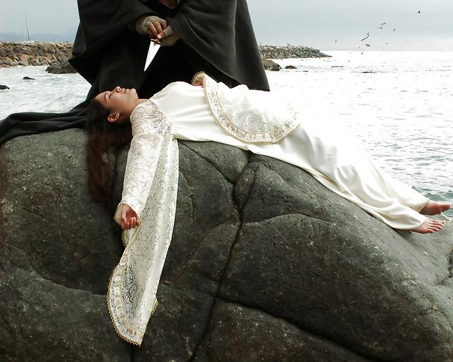 【※閲覧注意】闇深カルト教団の儀式が公開され世界に戦慄が走る・・・。(画像あり)・8枚目