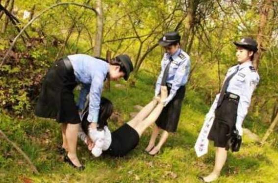 【※極刑】残虐極まりない処刑で殺された女性たち、一体何をしたんだ・・・(画像あり)・17枚目