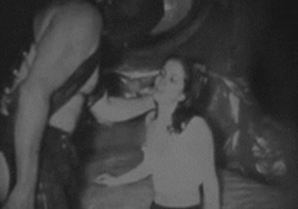【※貴重映像】紛争地帯でレイプされる女性。。これは怖いわ・・・・(GIFあり)