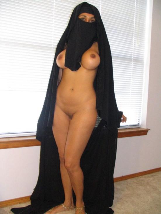 【※悲報】素顔を晒すイスラム女性、調子に乗って全裸アップし爆死wwwwwwwwwwww(画像あり)・13枚目