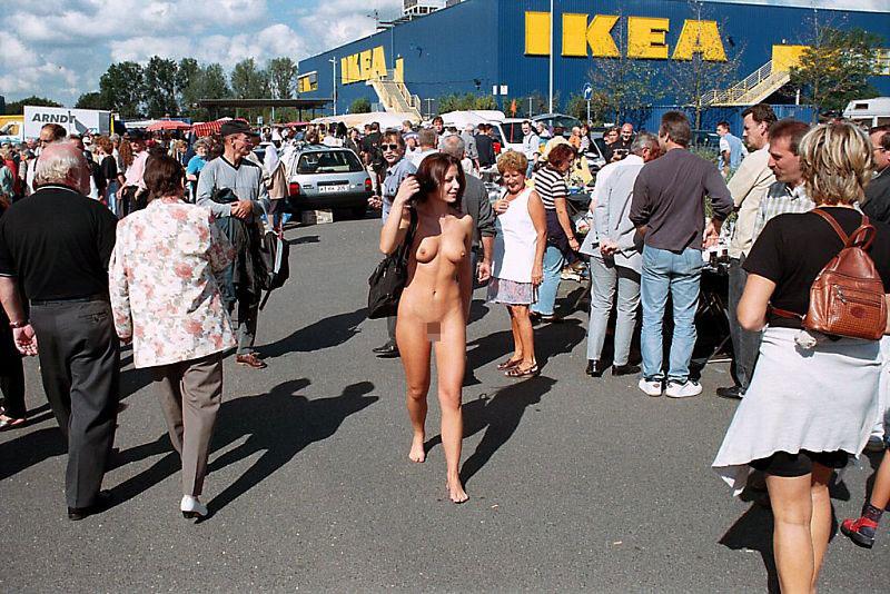 【※悲報】IKEAさん露出狂に「恰好の的」にされるwwwwwwwwwww(画像あり)・14枚目