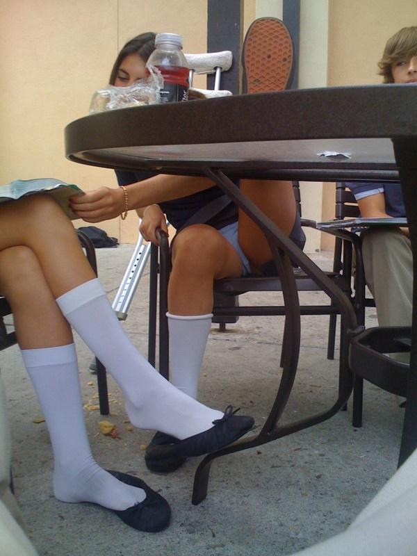 【エロ画像】海外の思春期学生の記念撮影。すぐこんな事するよな?wwwwwwww・11枚目