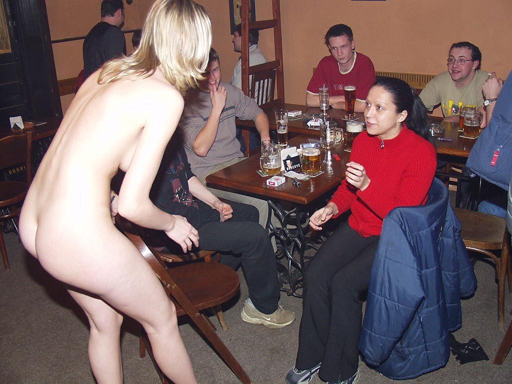 【※変態注意※】飲み屋に必ずいるこういうオンナって即ハメOKなんだよな???(画像あり)・16枚目