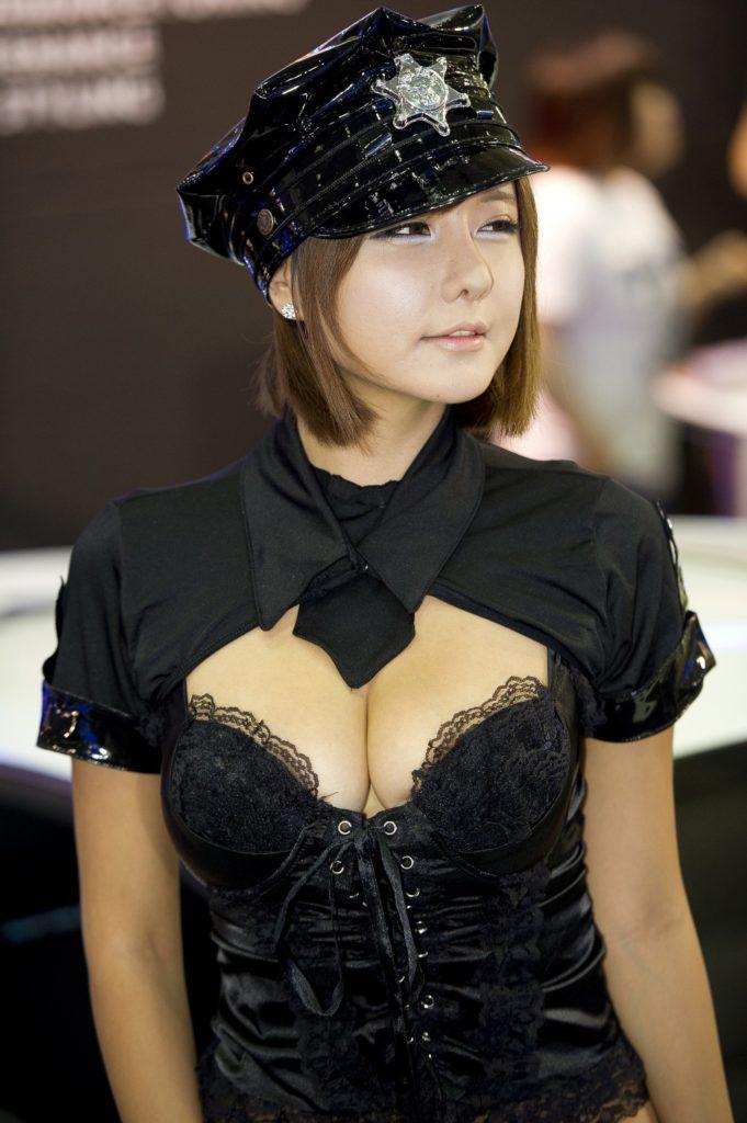 """【高レベル】韓国の美人キャンギャルさん、みんな同じような""""顔""""でワロタwwwwwwwwwww・16枚目"""