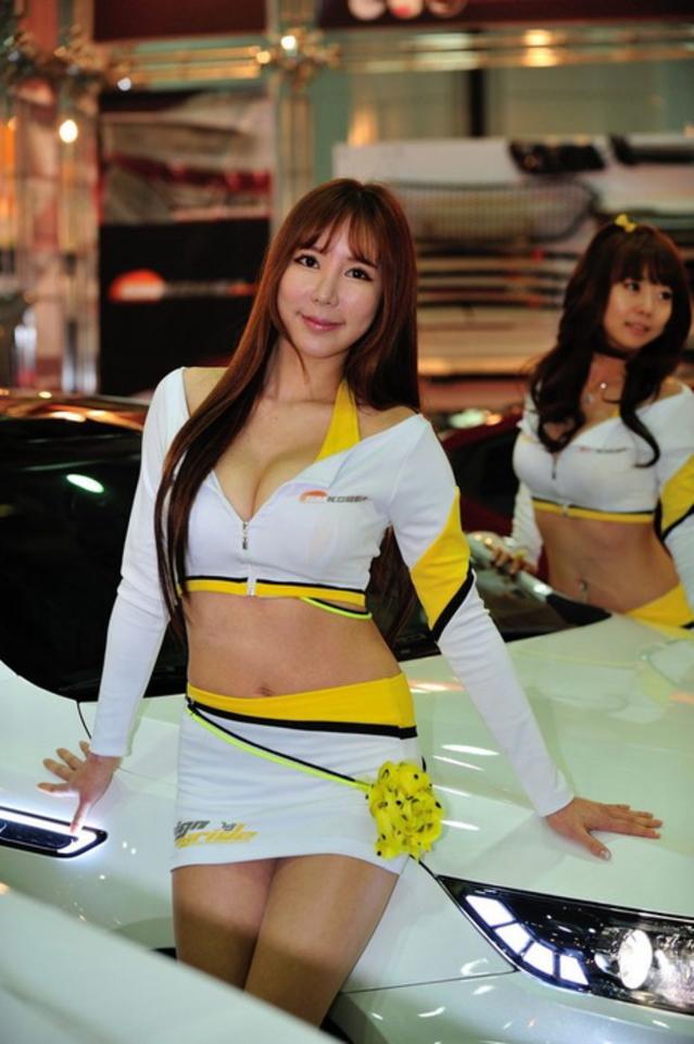"""【高レベル】韓国の美人キャンギャルさん、みんな同じような""""顔""""でワロタwwwwwwwwwww・17枚目"""