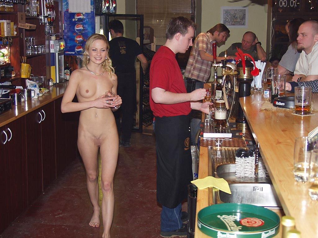 【※変態注意※】飲み屋に必ずいるこういうオンナって即ハメOKなんだよな???(画像あり)・18枚目