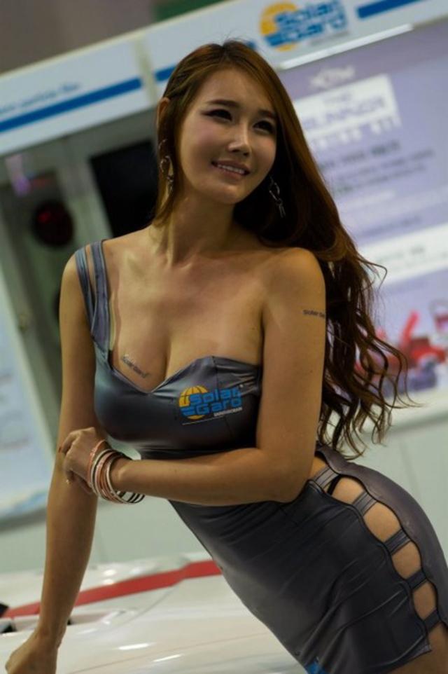 """【高レベル】韓国の美人キャンギャルさん、みんな同じような""""顔""""でワロタwwwwwwwwwww・2枚目"""