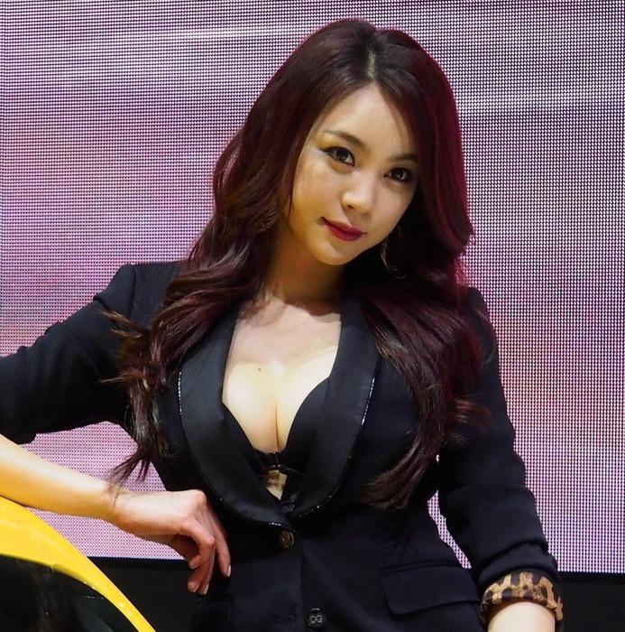 """【高レベル】韓国の美人キャンギャルさん、みんな同じような""""顔""""でワロタwwwwwwwwwww・24枚目"""