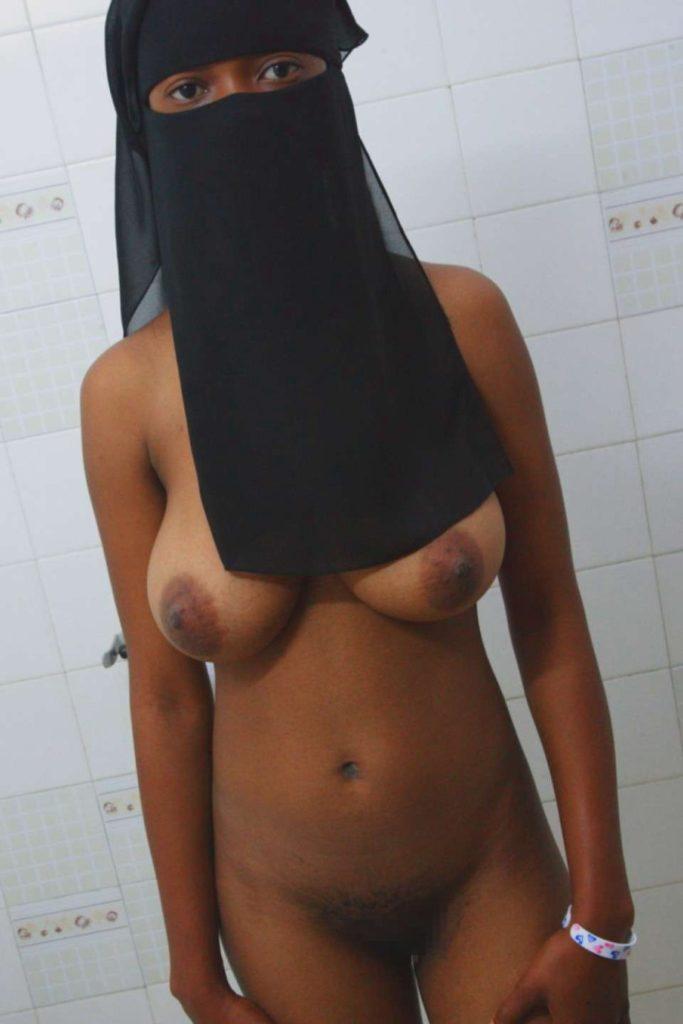 【※悲報】素顔を晒すイスラム女性、調子に乗って全裸アップし爆死wwwwwwwwwwww(画像あり)・25枚目