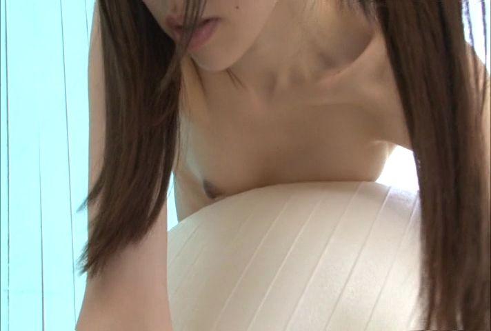 【※勃起不可避】イメージビデオで乳首ポロリしちゃった問題のシーンがコチラ。。。(画像あり)・23枚目