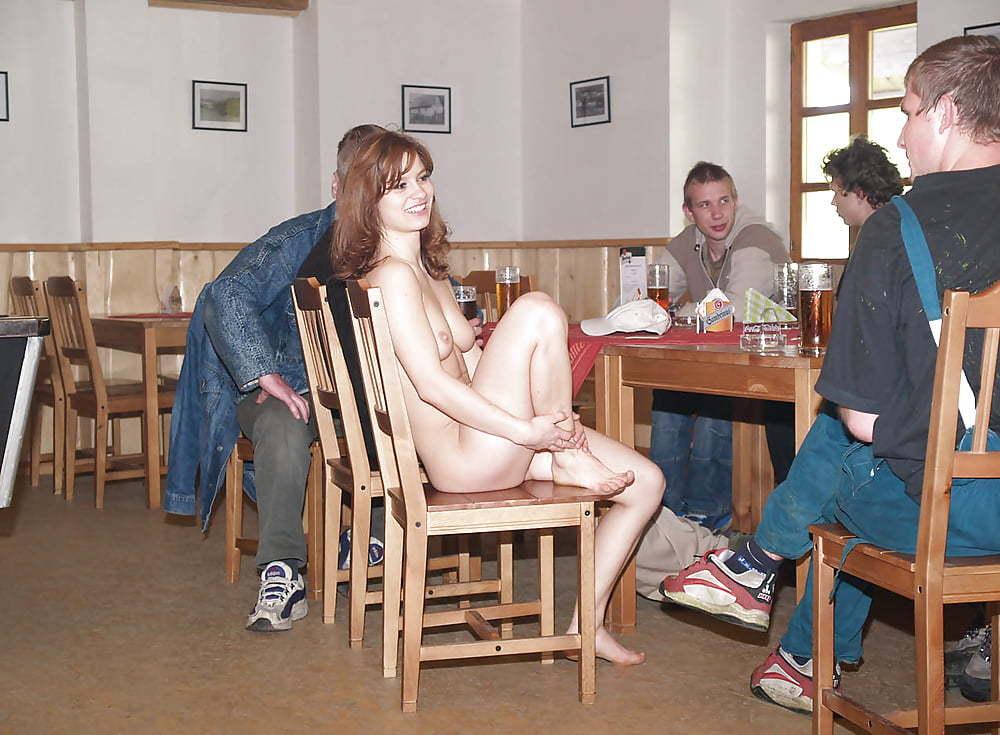 【※変態注意※】飲み屋に必ずいるこういうオンナって即ハメOKなんだよな???(画像あり)・3枚目