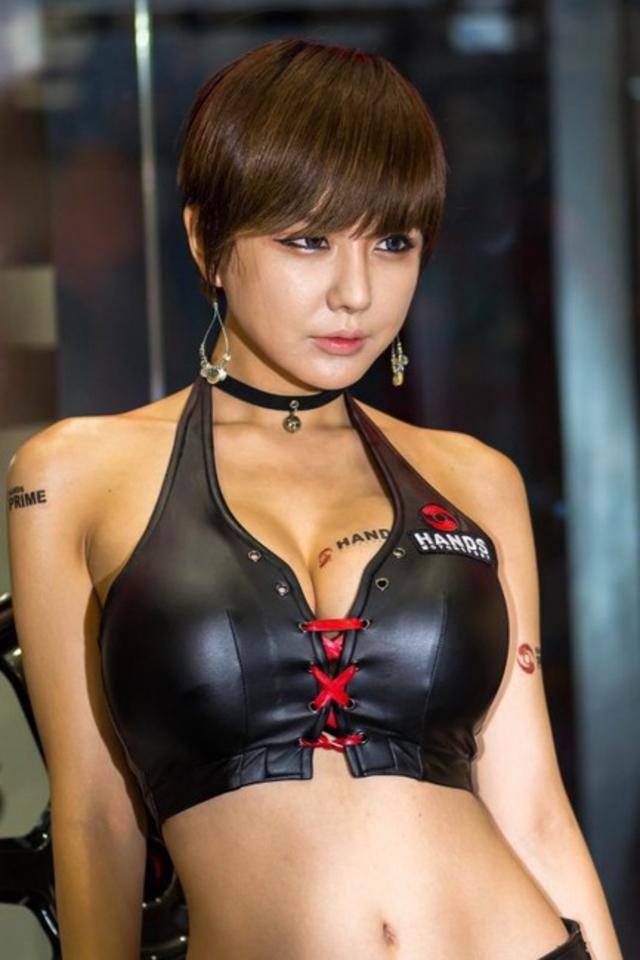 """【高レベル】韓国の美人キャンギャルさん、みんな同じような""""顔""""でワロタwwwwwwwwwww・3枚目"""