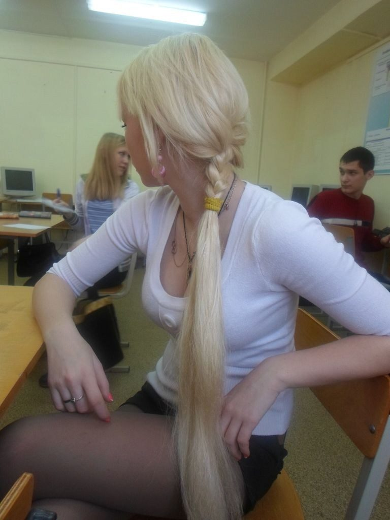 【※アカン…】SNSにうpするロシア女子学生の成長が具合がマジで半端じゃないんやがwwwwwwwwww(画像あり)・27枚目