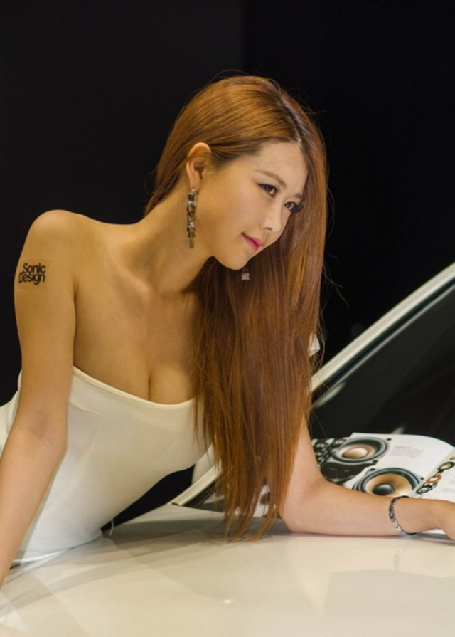 """【高レベル】韓国の美人キャンギャルさん、みんな同じような""""顔""""でワロタwwwwwwwwwww・4枚目"""