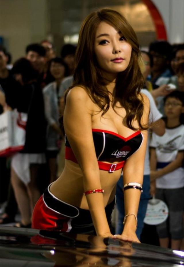 """【高レベル】韓国の美人キャンギャルさん、みんな同じような""""顔""""でワロタwwwwwwwwwww・6枚目"""
