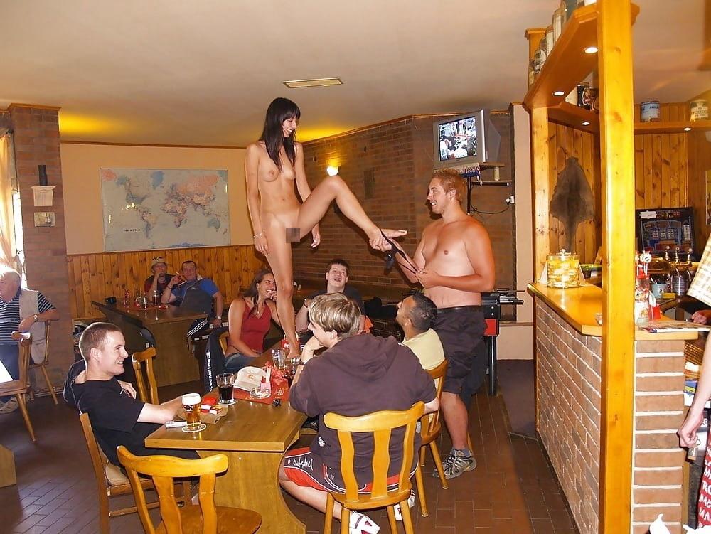 【※変態注意※】飲み屋に必ずいるこういうオンナって即ハメOKなんだよな???(画像あり)・7枚目