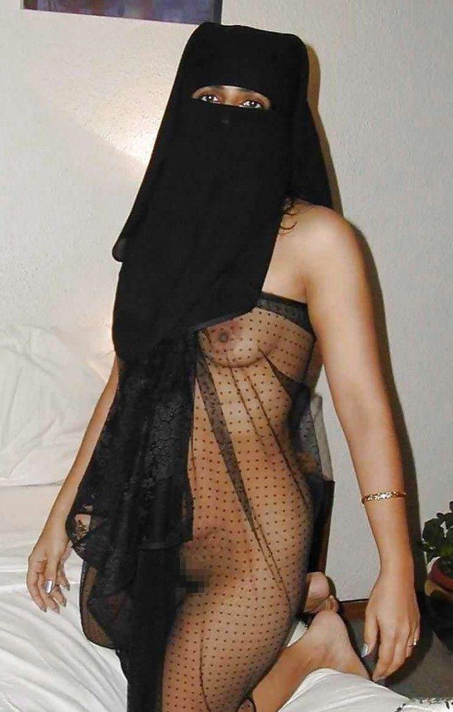 【※悲報】素顔を晒すイスラム女性、調子に乗って全裸アップし爆死wwwwwwwwwwww(画像あり)・8枚目