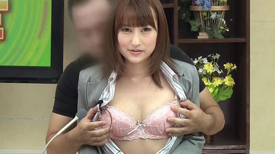 【※放送事故】女子アナさん、カメラアングル外の光景が卑猥すぎるwwwwwww(画像26枚)・19枚目