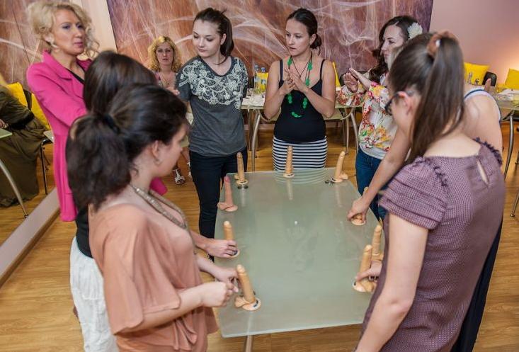 【エロ画像】セックス教室で真剣に学ぶ女性たちをご覧くださいwwwwwwwwwww・22枚目