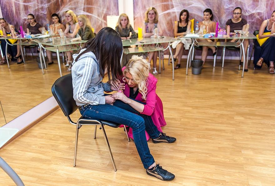 【エロ画像】セックス教室で真剣に学ぶ女性たちをご覧くださいwwwwwwwwwww・24枚目